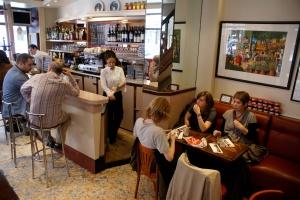 Chef étoilé, table de bistrot, Paris